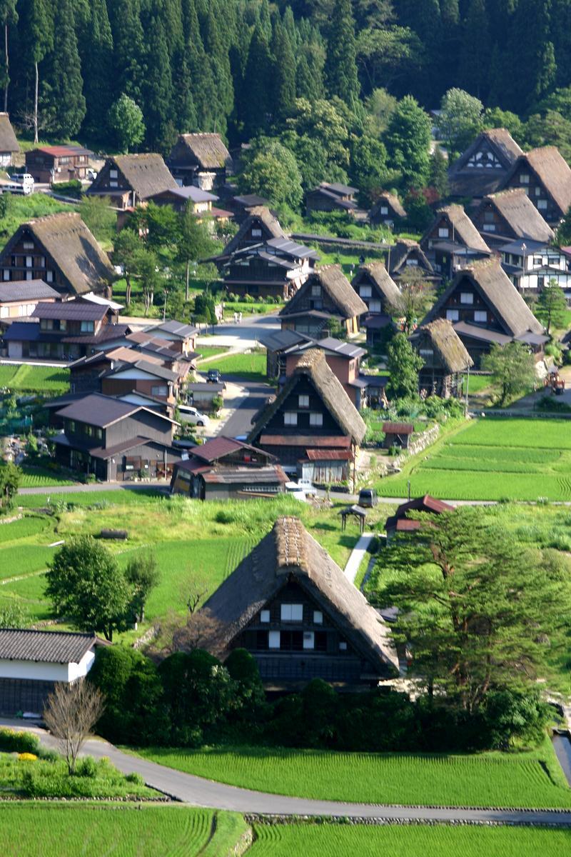 夏休みは家族みんなで温泉旅行へ出かけよう♪~世界遺産 白川郷~懐かしいあの頃の夏休みを思い出させてくれる、日本の夏の原風景に浸る休日をどうぞ! ①