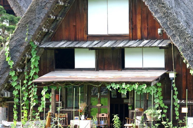夏休みは家族みんなで温泉旅行へ出かけよう♪~世界遺産 白川郷~懐かしいあの頃の夏休みを思い出させてくれる、日本の夏の原風景に浸る休日をどうぞ! ③
