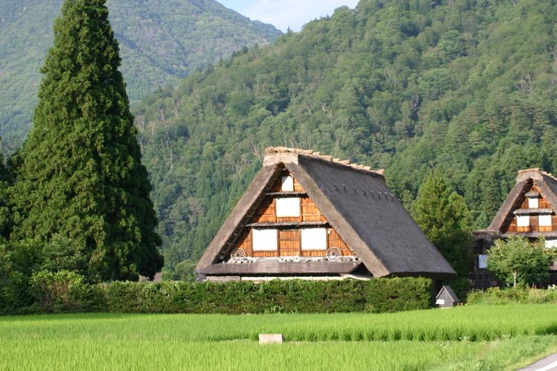夏休みは家族みんなで温泉旅行へ出かけよう♪~世界遺産 白川郷~懐かしいあの頃の夏休みを思い出させてくれる、日本の夏の原風景に浸る休日をどうぞ! ⑦