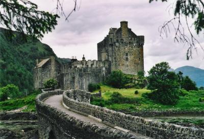 Eilean_donan_castles.jpg