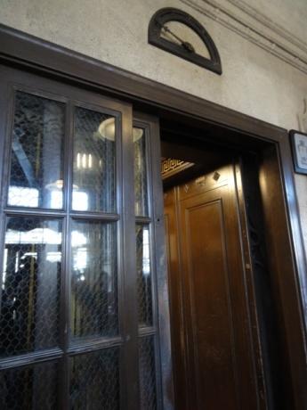 日本最古のエレベーター!