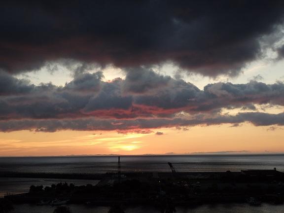 熱海港 日の出前
