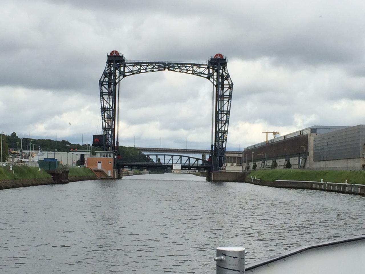 boat-bridge