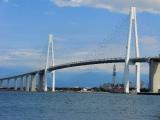 海から新湊大橋