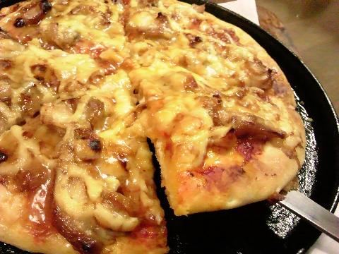アツアツの、ピザ。