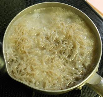糸蒟蒻と長葱チャーハン1