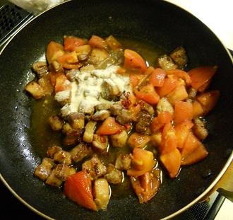 豚ばら肉とトマトのチャーハン7
