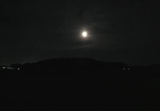 2014_07 12_池村の山の上の月