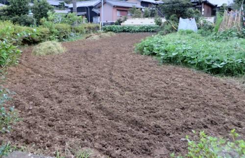 2014_08 26_雑草刈り後の耕運