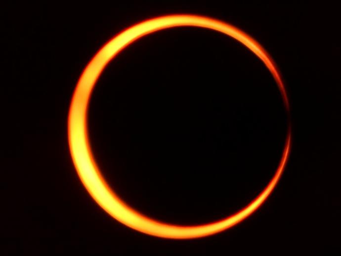 金環日食第一接触
