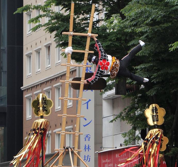 百万石行列 加賀鳶の演技(香林坊にて)