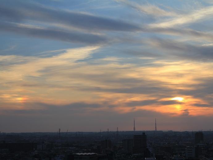 滲む夕日 幻日とともに(金沢市にて)