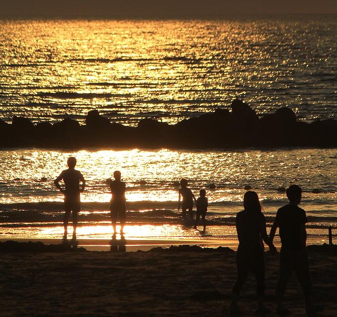 海の日 日本海の夕暮れのシーン