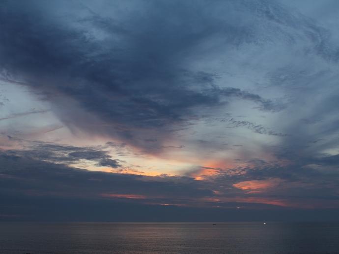 夏の日本海と残照(白山市にて)