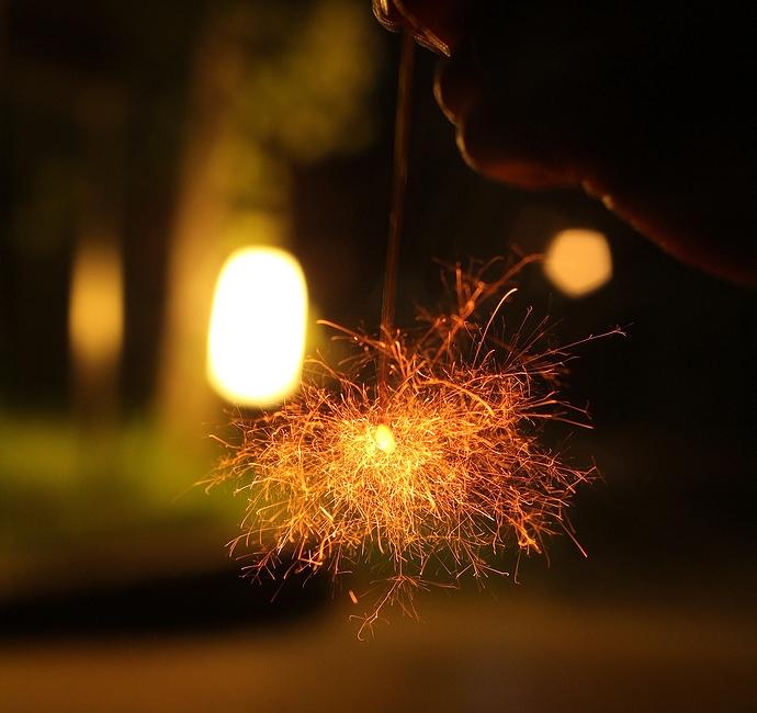 夏の夜 線香花火を撮ってみる