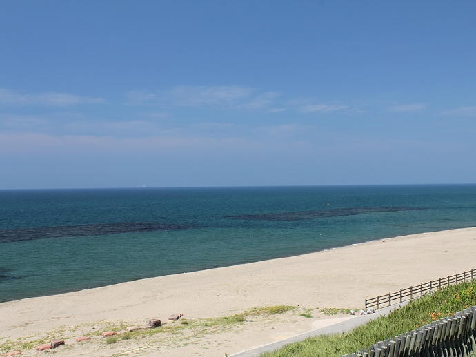 白山市の海と青空と