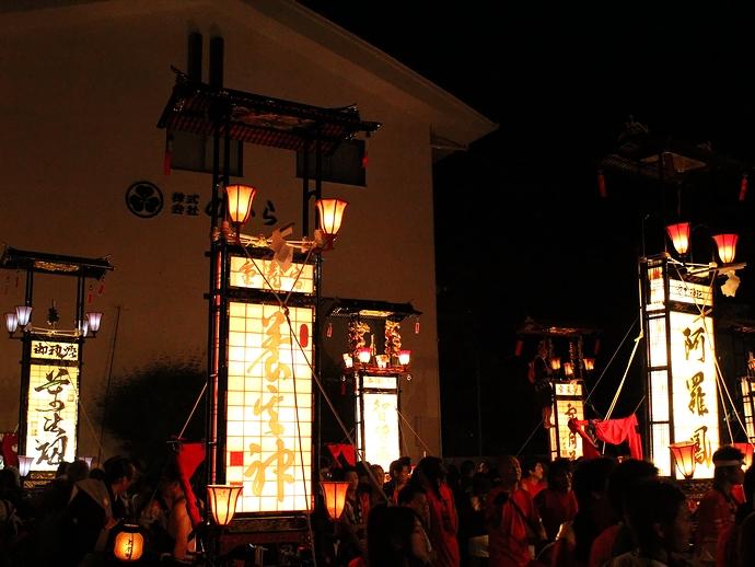 輪島大祭 キリコが重蔵神社に集結