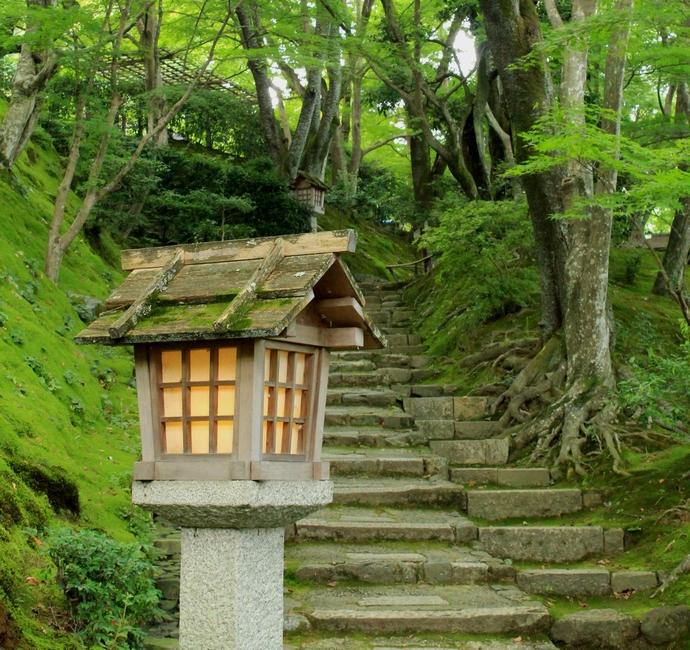 常寂光寺 灯篭と石段