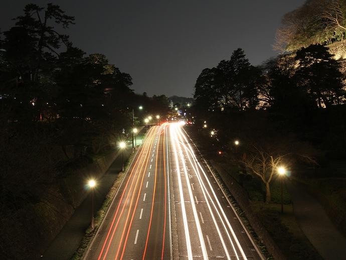 石川橋からの夜景 お堀通り広坂方面