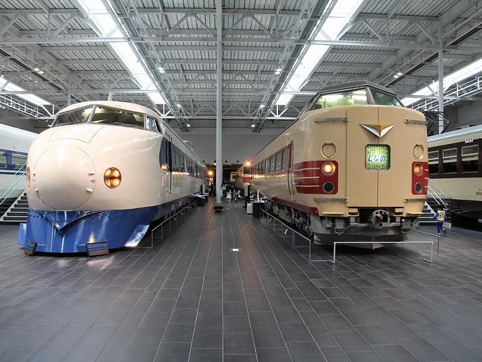 振り子式電車と新幹線0系