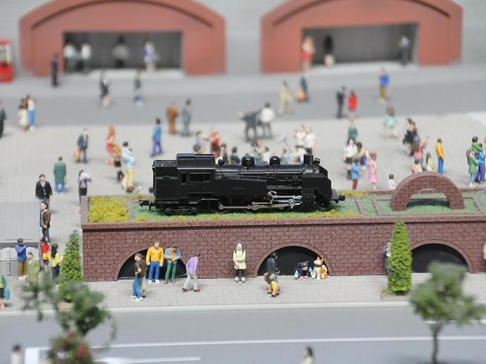新橋駅前のSL リニア・鉄道館のジオラマ