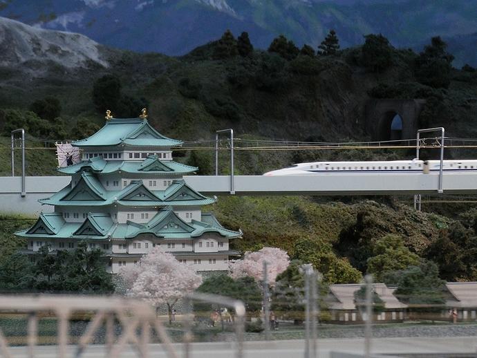 名古屋城と新幹線(鉄道ジオラマ)