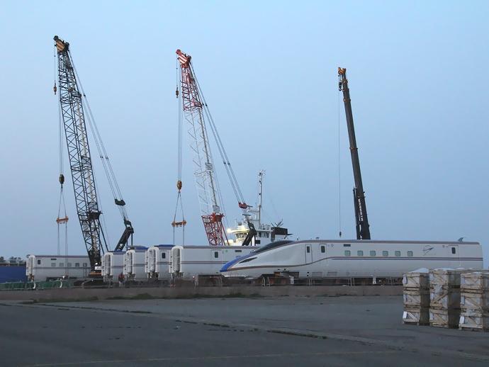 北陸新幹線W7系金沢に上陸!初陣の6両