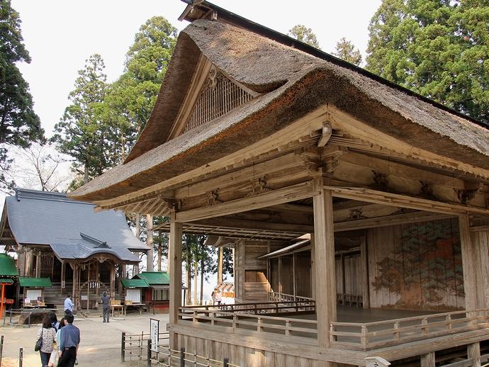 中尊寺白山神社能楽殿の能舞台