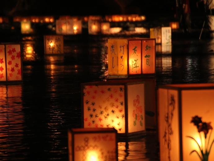 加賀友禅灯篭流しの灯篭たち