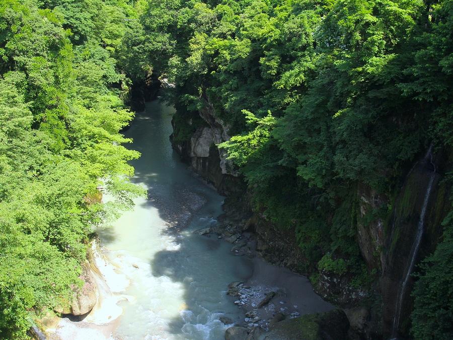不老橋より眺めた手取峡谷(上流方面)