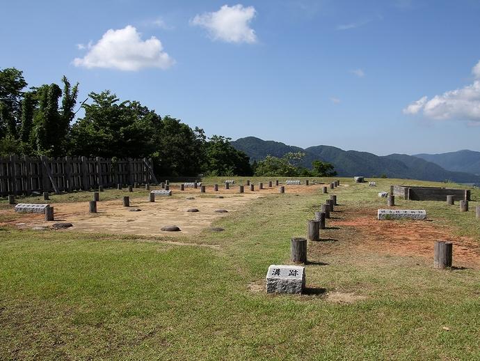 国指定史跡「鳥越城」の本丸跡