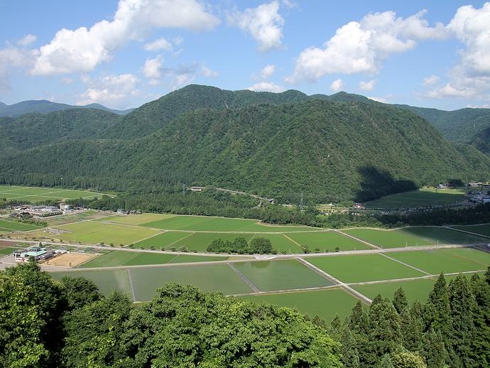 鳥越城からの眺め 手取川中流域を一望