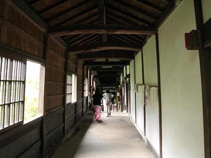 仏殿から法堂へ続く廊下(金沢市大乗寺にて)