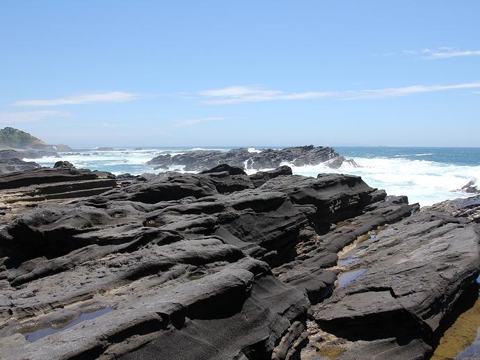城ヶ島の海岸 不思議な地形