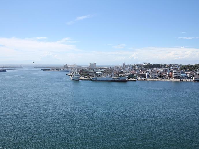 城ヶ島大橋からの眺め(三崎港方面)