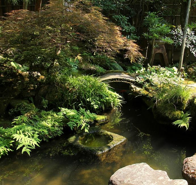 ミシュランも認めた日本庭園(金沢市長町野村家)