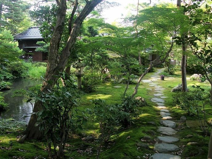 金沢の歴史ある日本庭園 西田家庭園(玉泉園)