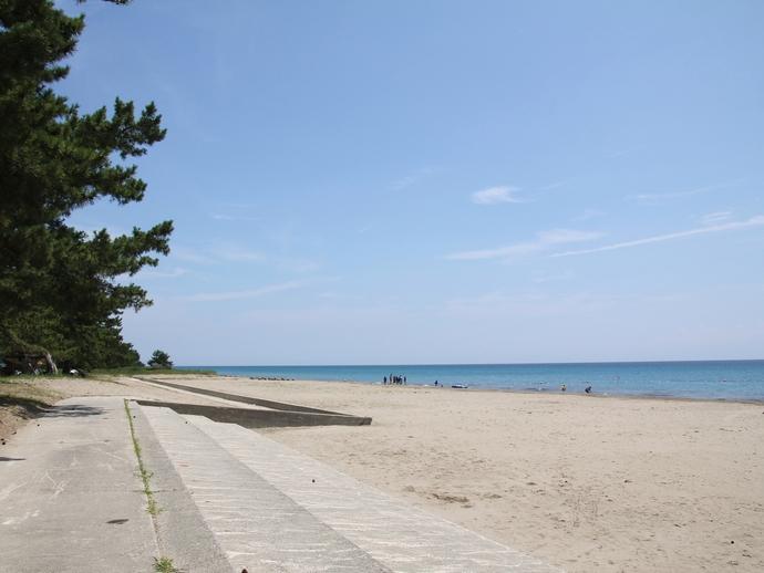 透明度の高い能登の海(鉢ヶ崎海水浴場)