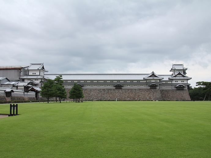 現代の金沢城の象徴 菱櫓・五十間長屋・橋爪門続櫓