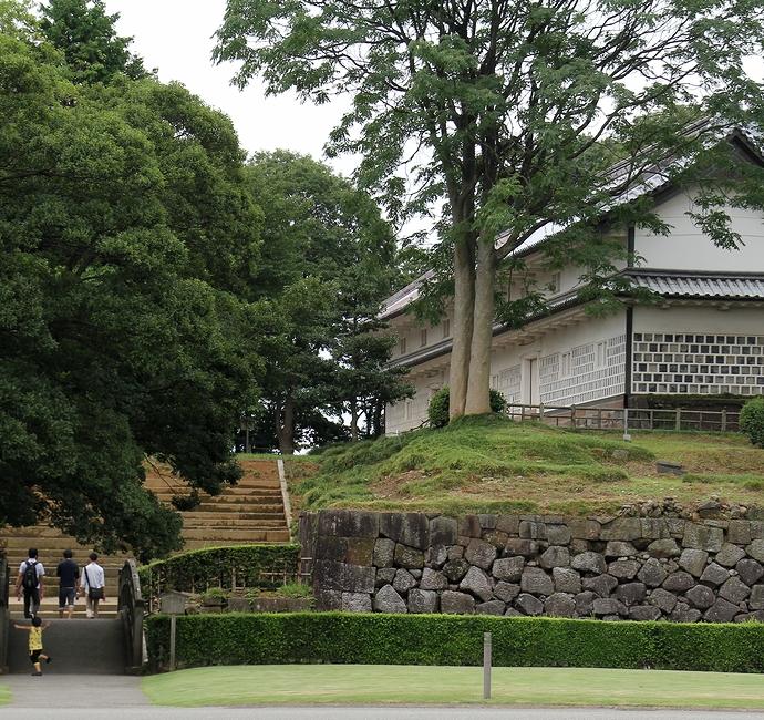金沢城の文化財「三十間長屋」