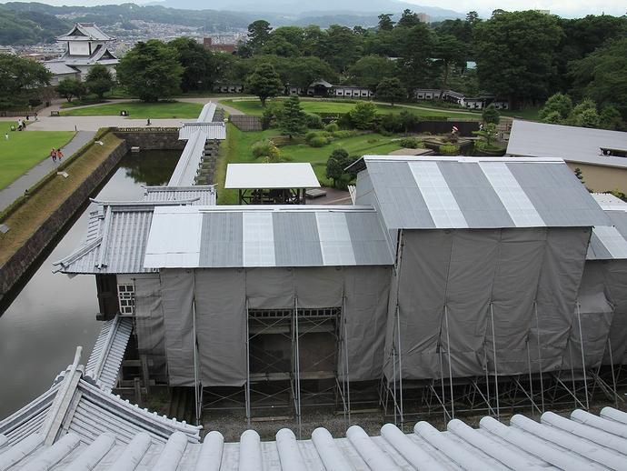 復元工事中の橋爪門(金沢城公園)
