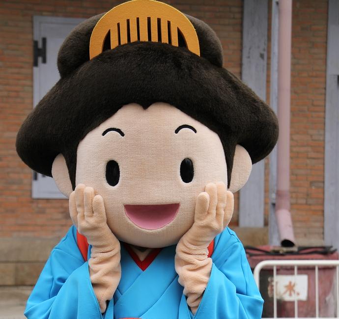 富岡市のキャラクター「お富さん」(富岡製糸場にて)