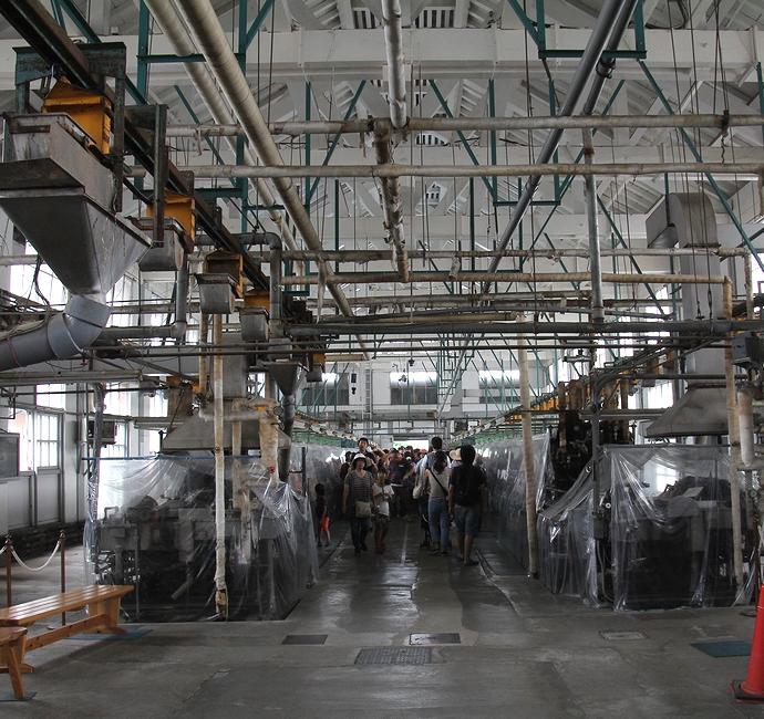 富岡製糸場の繰糸場の内部の様子