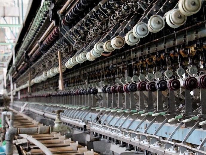 富岡製糸場の自動繰糸機