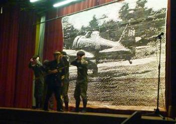 平成25年9月 花園中3年生制作劇「青空からの手紙」