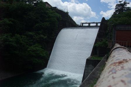 20140614④小河内ダムからの放水