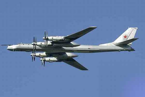 ロシア爆撃機が韓国の ...