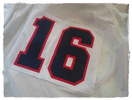 背番号16
