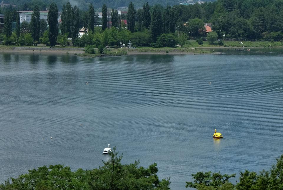 6061 河口湖の波紋 960×645