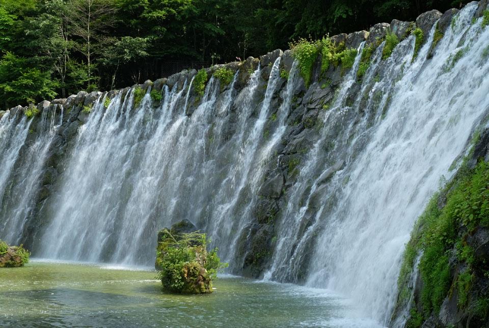6402 滝 960×645